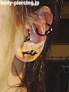 ルル@さんのスナッグを追加した左耳のボディピアス写真