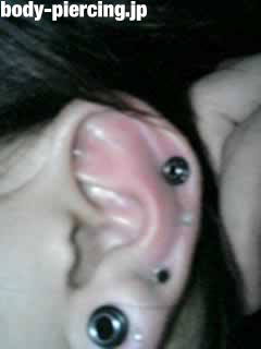 タコ焼きさんの左耳のボディピアス写真