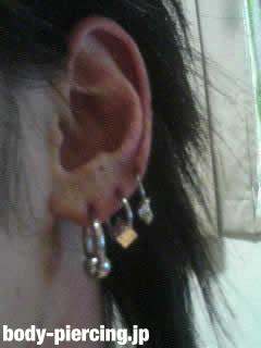 テッテケテ〜さんの左耳のボディピアス写真
