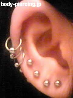 カリメロさんの右耳のボディピアス写真 No.7