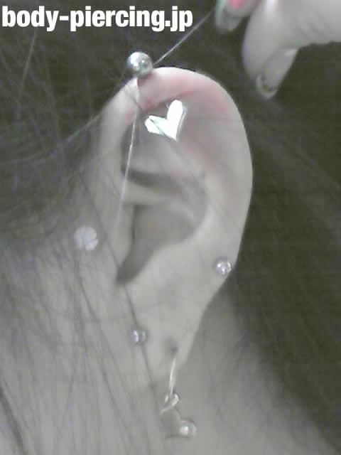 ayacaさんの左耳のボディピアス写真