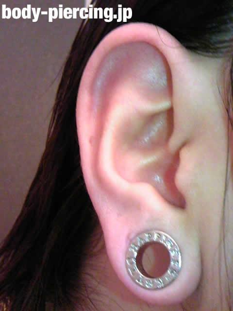 コリコリさんの右耳のボディピアス写真